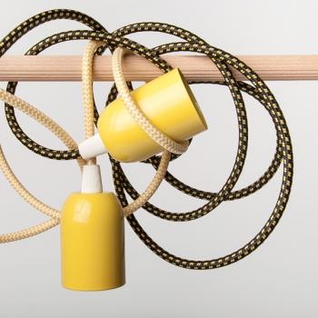 Жълта стоманена капачка с фасунга Е27 и шнуров нипел