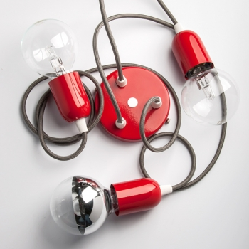 Червена стоманена капачка с фасунга Е27 и шнуров нипел