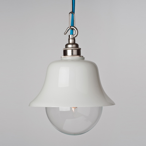 Chain hook threaded lampholders and tulip lamp body